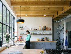 倉庫カフェ風がオシャレすぎる!海外のインダストリアルなキッチン | スクラップ [SCRAP] - Part 2