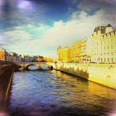 Paris, River Seine photo by Kayıhan B.