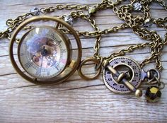 I've always adored pocket watches... steampunk just makes them better...