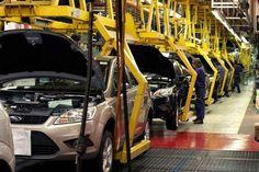 """OTRO RECORD MACRISTA: LA PRODUCCION AUTOMOTRIZ CAYO UN 20%   """"La situación del mercado continúa en el nivel más bajo de la última década"""" El comercio continúa en baja desde que asumió el gobierno de Cambiemos. Ahora la fabricación de vehículos se hundió por la caída en las exportaciones. Según datos de ADEFA a comparación con el mismo mes del año pasado las exportaciones se desplomaron un 47%.La producción automotriz cayó 198% en junio con relación a igual período de 2015 pero las ventas de…"""