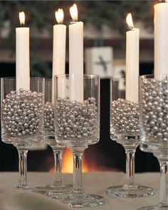 A simple and elegant candle decor idea for new years ever parties! Love this :)