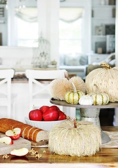 fall-kitchen-table