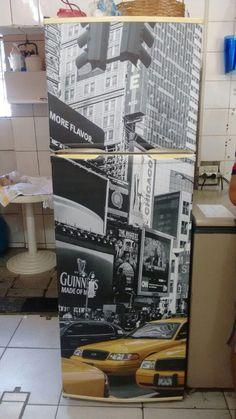 Envelopamento de Geladeira com imagem antiga Cafe Bar, Kitchen Appliances, Kitchens, Loft, My House, Decoupage, Refrigerators, Wallpaper, Diy
