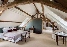 APRES #14 : la même chambre qui mixe meubles anciens et éléments contemporains