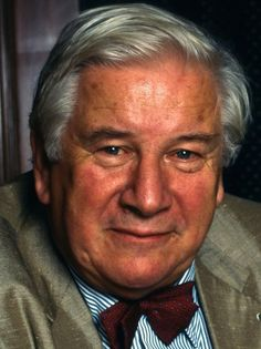 The death of Sir Peter Ustinov, on this day 28th March, 2004. English actor, writer, dramatist, filmmaker, theatre and opera director, stage designer, author, screenwriter, comedian, humourist, newspaper and magazine columnist, radio broadcaster and television presenter! A man of many talents