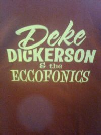 Deke Dickerson. Outdoors in Portland, ME.