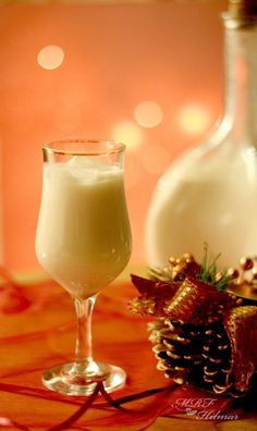 Outstanding Holiday cooking info are offered on our website. Summertime Drinks, Summer Drinks, Cocktail Drinks, Fun Drinks, Alcoholic Drinks, Cocktails, Christmas Dishes, Christmas Desserts, Christmas Punch