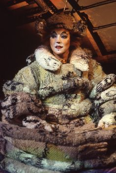 Until the Jellicle Moon appears, we make our toilette and take our repose. Cats The Musical Costume, Cats Musical, Cat Costumes, Musical Theatre, Jellicle Cats, Cat Movie, Inspirational Movies, Cat Art, Cute Cats