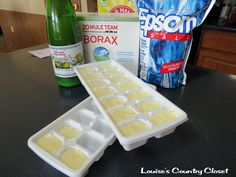 Louise's Country Closet: Homemade Dishwasher Detergent Cubes 1 Cup Borax 1 Cup Washing Soda Cup Epsom Salt Lemon Juice Mix lemon juice to powder mix. You want a sticky consistency. Let dry overnight in an ice cube tray. Pop out and use 1 cube per load. Homemade Cleaning Supplies, Cleaning Recipes, Cleaning Hacks, Cleaning Solutions, Cleaners Homemade, Diy Cleaners, Household Cleaners, Kitchen Cleaners, Homemade Dishwasher Detergent