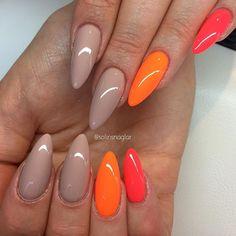 """Hazelnut Fudge"" med ""Neon Orange"" och ""Neon Corall"""