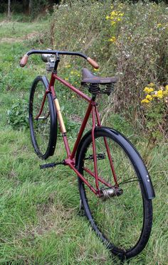 1914 FN Herstal (Fabrique Nationale) Chainless (Shaftdrive, Cardan, Acatene) (Now sold) This handsome FN Chainless was restored by my friend John. He overhauled the rear hub and repainted the bicyc…