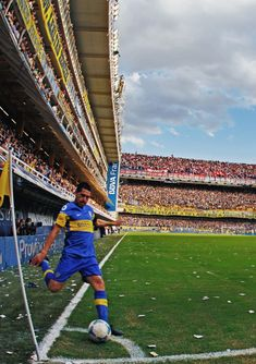 Boca Jr, History Of Soccer, Football Soccer, Fc Barcelona, Roman, Grande, Goats, Legends, Vintage