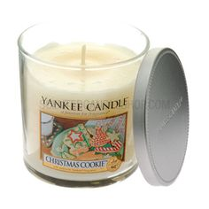christmas cookie ----O M G I looooove this candle!