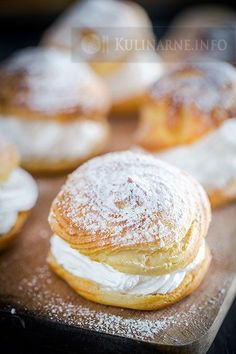 Puff pastry with cream of brewed proteins Polish Desserts, Polish Recipes, No Bake Desserts, Dessert Recipes, Polish Food, Dessert Ideas, Pumpkin Cookies, Sugar Cookies, Sweet Little Things
