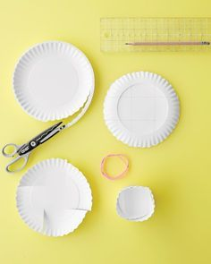 Bowl shaped containers for food gifts ( and non-food gifts). Easy DIY paper craft wrap / packaging idea great for gifts from the kitchen and Bake Sales too.