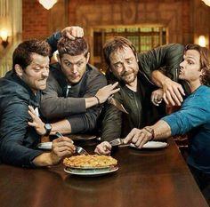 Notice Jensen doesn't have a fork. But instead has his blade... xD