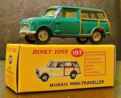 Dinky toys Morris mini traveller no 197 Metal Toys, Tin Toys, Antique Toys, Vintage Toys, Miniature Cars, Corgi Toys, Mini Clubman, Pedal Cars, Small Cars