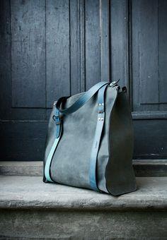 schultertaschen ledertasche handgefertigt biglili von LADYBUQ auf DaWanda.com