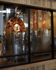 Honey House Distillery - Is tourism important for your distillery? Then check out this handmade custom still from Vendome Copper & Brass Works. Brewery Design, Pub Design, Whiskey Distillery, Beer Brewery, Beer Brewing Kits, Home Brewing, Whisky, Distilling Alcohol, Copper Still