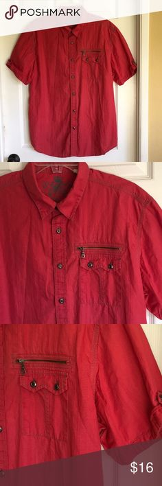 Men's GUESS shirt Nice Me's GUESS short sleeve shirt in pristine condition.  Always happy to bundle. Guess Shirts