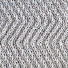 Ravelry: Twist Zig Zag pattern by Bich Lan