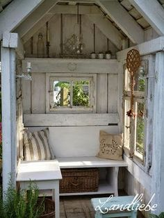 Most up-to-date Pic cottage garden shed Popular Backyard outdoor sheds get several employs, like stocking residence clutter in addition to backyard garden mai. Garden Buildings, Garden Structures, Garden Cottage, Home And Garden, Diy Garden, Outdoor Spaces, Outdoor Living, Garden Shed Interiors, Gazebo