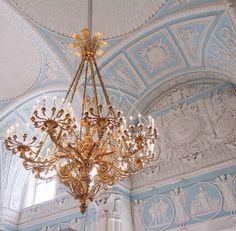 宮殿のシャンデリア