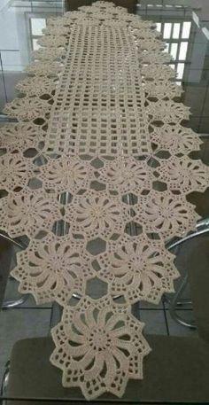 Free Patterns Archives - Beautiful Crochet Patterns and Knitting Patterns Filet Crochet, Crochet Diy, Crochet Doily Patterns, Crochet Chart, Crochet Home, Thread Crochet, Crochet Motif, Vintage Crochet, Crochet Ideas