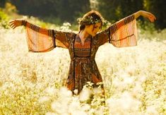 Cute for senior photos. Hippie Women's Fashion via | www.hippieshope.com