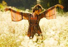 Cute for senior photos. Hippie Women's Fashion via | www.hippieshope.com