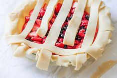 Triple Berry Pie Recipe DIY Projects Craft Ideas & How To's for Home Decor with Videos - Desserts - Great Desserts, Desserts Diy, Pie Recipes, Dessert Recipes, Triple Berry Pie, How To Make Everything, Pie Dessert, Creative Crafts, Bacon