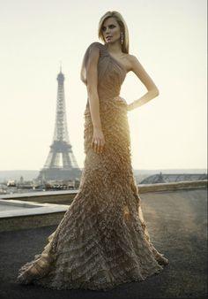 Elie Saab gown #eiffeltower #paris