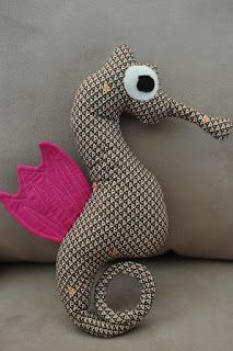 lia's crafty journey: tutorial: the making of mr. seahorse