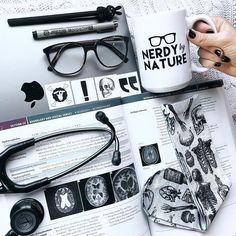 47 Ideas for medical school inspiration motivation med student Med Student, Medical Students, Medical School, Nursing Students, Nurse Aesthetic, Medical Wallpaper, Medical Careers, Medical Anatomy, Grey's Anatomy