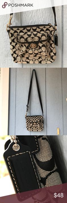 Coach 🐎 cross body bag 💼 Coach 🐎 cross body bag 💼 in excellent condition NWOT black and grey signature style ! Coach Bags Crossbody Bags