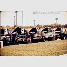 Facorite promposal so far. Have my guy friends with thier trucks then him. Uh, Yes. Country Prom, Cute N Country, Country Boys, Country Couples, Country Strong, Country Quotes, Country Music, Cute Prom Proposals, Homecoming Proposal