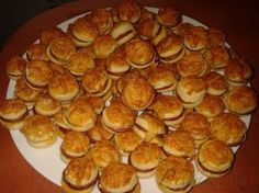 Picture of Recept - Klobáskové koláčky Czech Recipes, Russian Recipes, Party Snacks, Pizza, Muffin, Food And Drink, Appetizers, Cooking Recipes, Bread