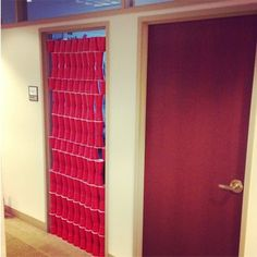 hahaha .....office prank with solo cups