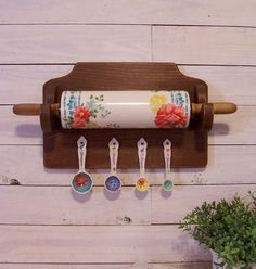 Woman Rolling Pin Measuring Spoon Display Rack Farmhouse Style Original Design by Sawdusty / Color Choice - Pioneer Woman Rolling Pin Measuring Spoon Display Rack Pioneer Woman Dishes, Pioneer Woman Kitchen, Pioneer Woman Recipes, Pioneer Women, Pioneer Woman Potatoes, The Pioneer Woman, Retro Vintage, Vintage Kitchen, Kitchen Colors