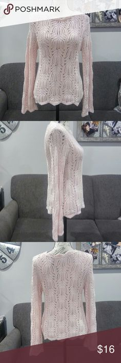 NEW VINTAGE pretty open knit light pink sweater NWT. Vintage 90s in perfect condition. Very pretty light pink open knit with scallop-like neckline. Worthington Sweaters