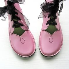 Image of Size 6, PEARDROP, Petal Pink leather 2240
