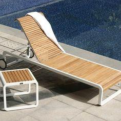 http://www.vivalagoon.com/163-3923-thickbox_default/verrazano-teak-sun-lounger.jpg