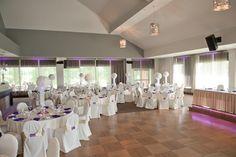 Voici notre salle de réception le Grand Héron pour un mariage de 90 à 200 invités. Chic et intemporel. #salle #réception #mariage #rivesud