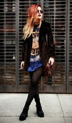 THAT COAT! I've been pinning so many Lua P. photos, but I want her style so badly....
