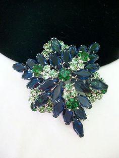 Fabulous Vintage 60s Blue Green Rhinestone Juliana Silvertone Layered Brooch Pin