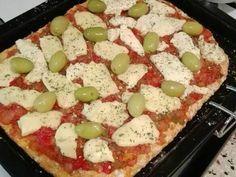 Pizza con masa de zanahoria y harina integral Receta de Euge Schiav - Cookpad Burrata Pizza, Pizza Tarts, Vegetable Pizza, Quiche, Feta, Gluten, Eggs, Cheese, Snacks