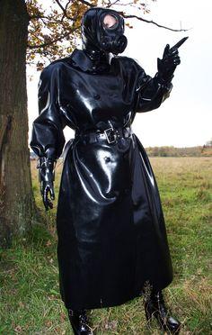 Gas Mask Girl, Latex Wear, Rubber Raincoats, Fetish Fashion, Latex Girls, Rain Wear, Womens Fashion, Leather, How To Wear