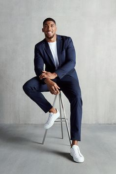 In the spotlight: Unified Heavyweight World Champion Anthony Joshua takes his place in front of the camera for our new EDITION magazine, wearing BOSS Stretch Tailoring Beautiful Women Quotes, Beautiful Tattoos For Women, Strong Women Quotes, Beautiful Men, Handsome Men Quotes, Handsome Arab Men, Woman Sketch, Woman Drawing, Anthony Joshua Instagram