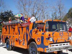 What a fire truck! Fire Dept, Fire Department, Police Officer Requirements, Cool Fire, Fire Equipment, Rescue Vehicles, Auburn Football, Football Art, Cars