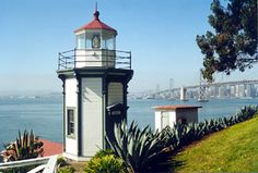 Yerba Buena Lighthouse, California at Lighthousefriends.com
